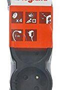Legrand-LEG50208-Rallonge-multiprise-standard-4-prises-2-ples-avec-terre-et-cordon-de-3-m-Noir-0-0